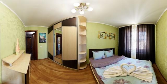 2-комнатная квартира посуточно в Ровно. ул. Киевская, 42. Фото 1