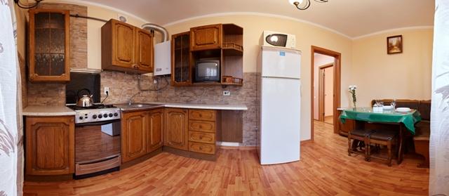 1-комнатная квартира посуточно в Ровно. ул. Жукова, 21б. Фото 1
