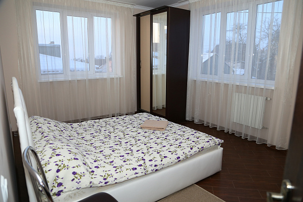 Двухкомнатная квартирапосуточно в Черновцах. Первомайский район, ул. Кишинёвская, 56А. Фото 1