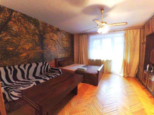 Трехкомнатная квартирапосуточно в Одессе. Приморский район, ул. Посмитного, 25. Фото 1