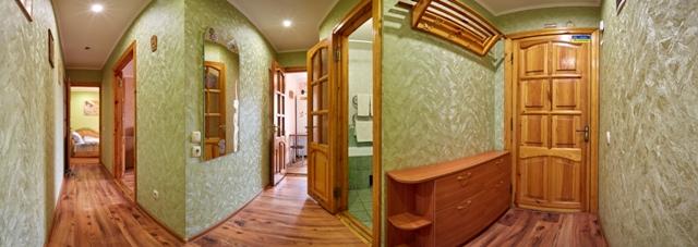 Двухкомнатная квартирапосуточно в Ровно, пр-т Мира, 26