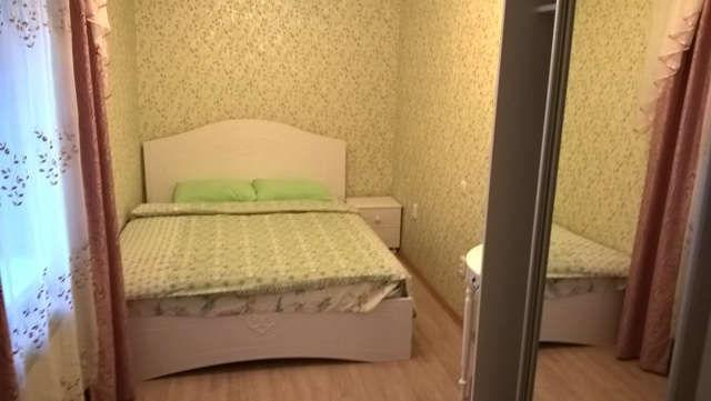 Двухкомнатная квартирапосуточно в Ялте, Центр Ялты район, ул. Боткинская, 8