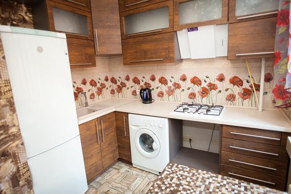 Трехкомнатная квартирапосуточно в Черкассах, ул. Крещатик, 190