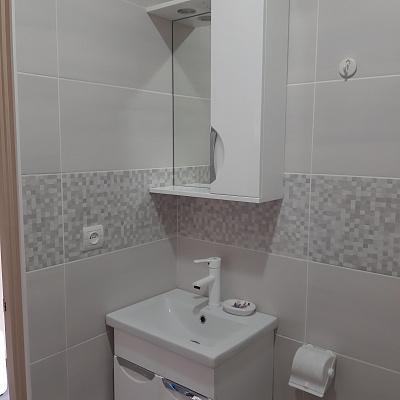 Однокомнатная квартирапосуточно в Кирилловке, ул. Коса Пересыпь, 31