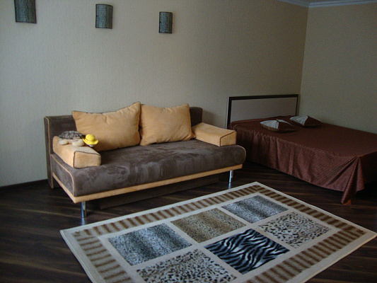 Однокомнатная квартирапосуточно в Ровно, ул. С. Бандеры, 36. Фото 1