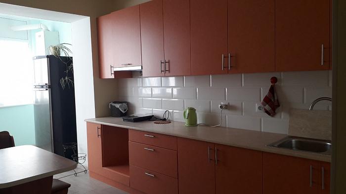 Однокомнатная квартирапосуточно в Ильичёвске (Черноморске). ул. Парковая, 28а. Фото 1