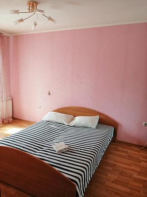 Двухкомнатная квартирапосуточно в Полтаве, Киевский район, ул. Гожуливская, 22. Фото 1