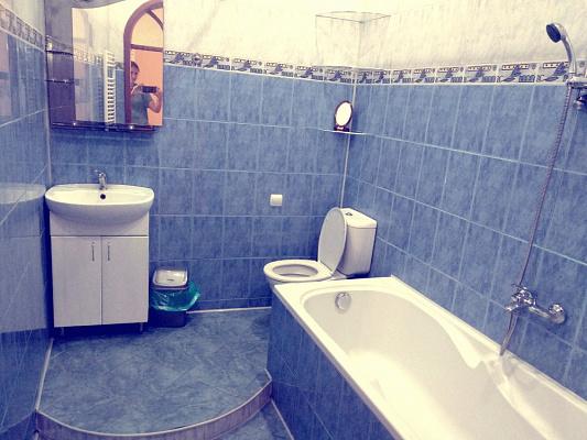 Трехкомнатная квартирапосуточно в Ужгороде, пл. Петефи, 9