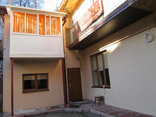 Трехкомнатная квартирапосуточно в Львове. Галицкий район, ул. А. Колессы, 6. Фото 1