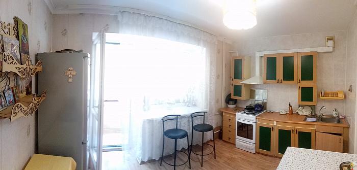 Однокомнатная квартирапосуточно в Ильичёвске (Черноморске). ул. 1 Мая, 10 б. Фото 1