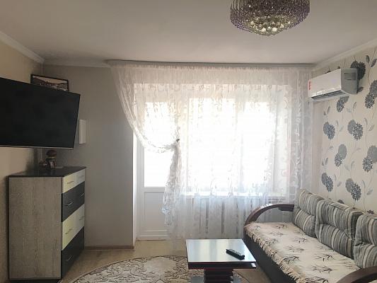 Однокомнатная квартирапосуточно в Луцке, ул. Конякина, 37а. Фото 1