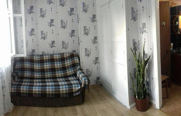 Однокомнатная квартирапосуточно в Ильичёвске (Черноморске). ул. 1 Мая, 7б . Фото 1