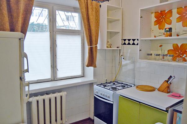 Двухкомнатная квартирапосуточно в Одессе. пер. Светлый, 7. Фото 1