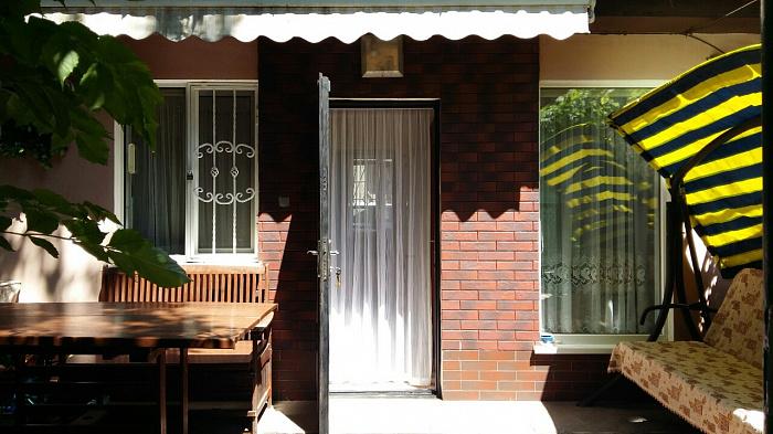 Двухкомнатная квартирапосуточно в Одессе. Приморский район, б-р Французский, 41а. Фото 1
