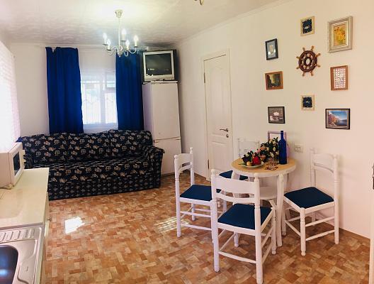 Дом посуточно в Лебедевке. ул. Центральная, 11. Фото 1