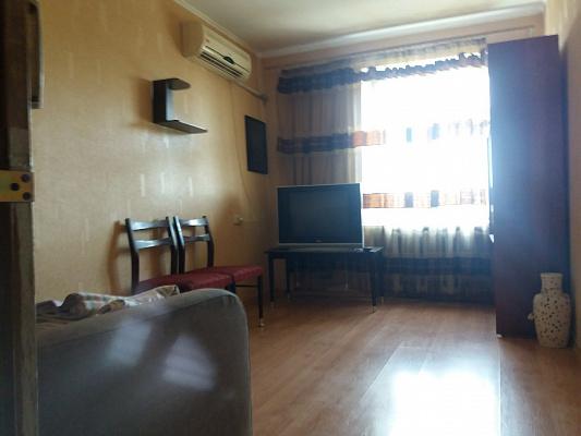 Двухкомнатная квартирапосуточно в Одессе. Приморский район, ул. Маршала Говорова, 18 б. Фото 1