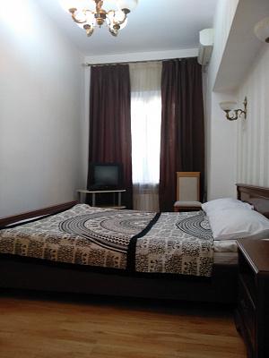 Однокомнатная квартирапосуточно в Одессе. Приморский район, пр-т Александровский, 4. Фото 1