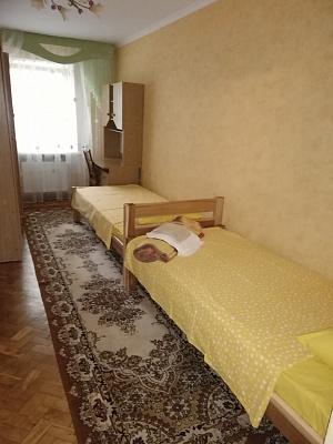 Трехкомнатная квартирапосуточно в Луцке, пр-т Воли, 52