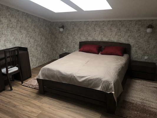 2 rooms apartmentsdaily Uzhgorod, ул. Довженка, 5. Photo 1
