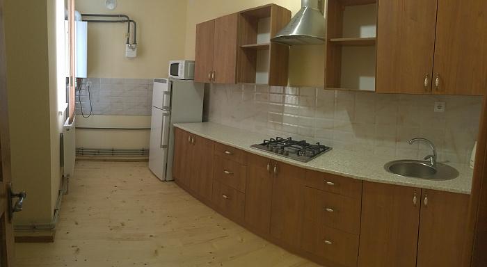 Двухкомнатная квартирапосуточно в Коломые, ул. Пекарская, 7