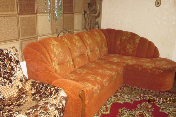 Двухкомнатная квартирапосуточно в Алуште, ул. Октябрьская, 40. Фото 1