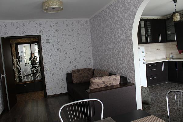 Двухкомнатная квартирапосуточно в Борисполе, ул. Новая, 4