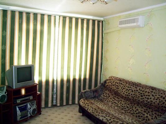 Двухкомнатная квартирапосуточно в Южном, ул. Приморская, 21. Фото 1