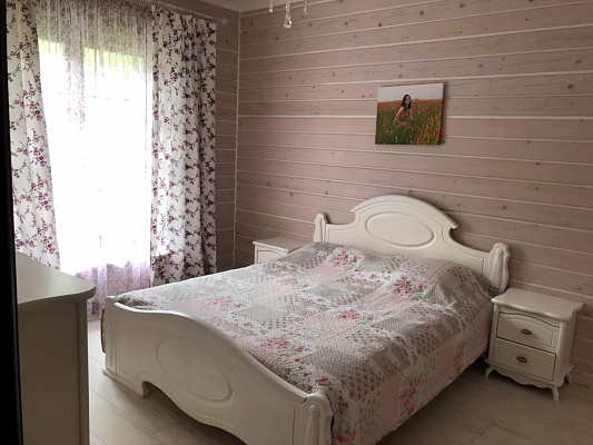 Дом посуточно в Сходнице, ул. Шевченко, 292