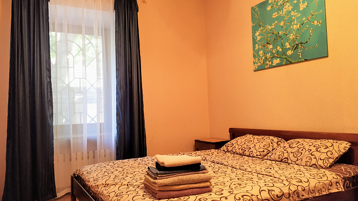 Двухкомнатная квартирапосуточно в Одессе. Приморский район, ул. Юрия Олеши, 5. Фото 1