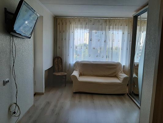 Однокомнатная квартирапосуточно в Ильичёвске (Черноморске). ул. Парковая, 2а. Фото 1