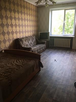 Двухкомнатная квартирапосуточно в Кривом Роге. Дзержинский район, ул. Степана Тильги, 10. Фото 1