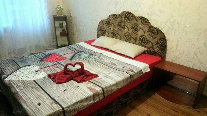 Однокомнатная квартирапосуточно в Каменце-Подольском. ул. Индустриальная, 11. Фото 1