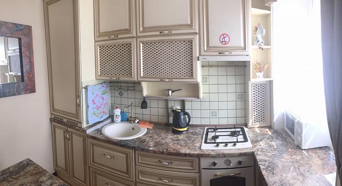 Однокомнатная квартирапосуточно в Кировограде (Кропивницком), Кировский район, ул. Соборная , 24