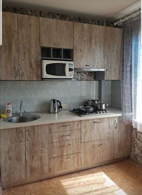 Однокомнатная квартирапосуточно в Запорожье. Жовтневый район, ул. Украинская, 35. Фото 1