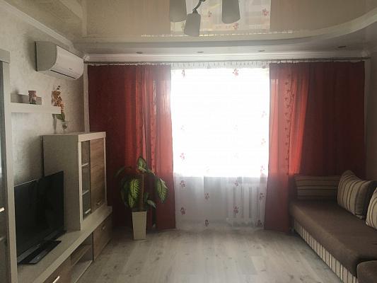 4-кімнатна квартираподобово у Луцьку, вул. Конякіна, 27. Фото 1
