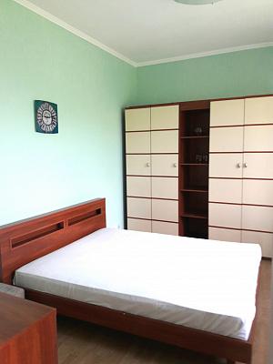 4-кімнатна квартираподобово в Рівному. вул. Соборна, 32. Фото 1