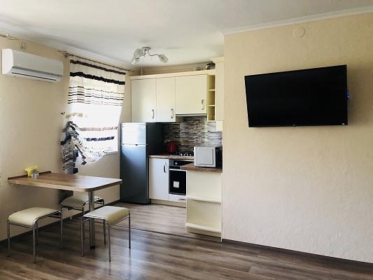Двухкомнатная квартирапосуточно в Ужгороде, пр-т. Свободы, 25. Фото 1