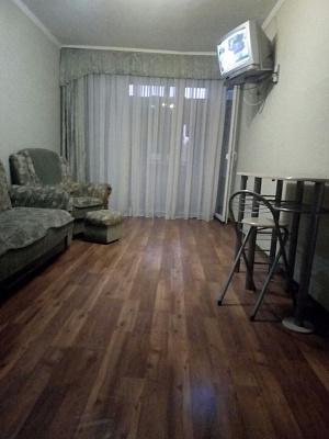 Трехкомнатная квартирапосуточно в Николаеве. ул. Адмиральская, 19. Фото 1