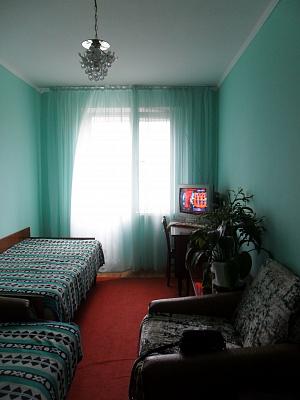 Двухкомнатная квартирапосуточно в Алуште, ул. Судакская, 10. Фото 1