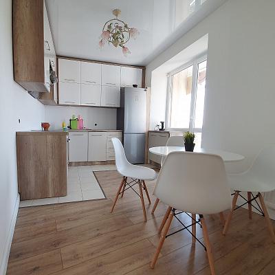 Двухкомнатная квартирапосуточно в Ивано-Франковске, ул. Бельведерская, 35