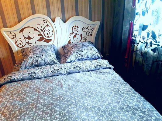 Однокомнатная квартирапосуточно в Чернигове, Новозаводской район, ул. Ивана Мазепы, 27