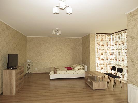 Трехкомнатная квартирапосуточно в Луцке, ул. Максима Кривоноса, 23. Фото 1