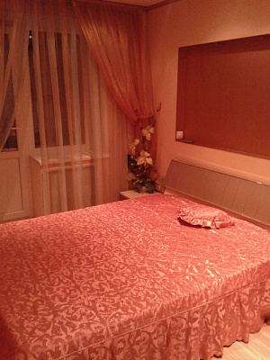 Трехкомнатная квартирапосуточно в Краматорске. ул. Беляева, 111. Фото 1