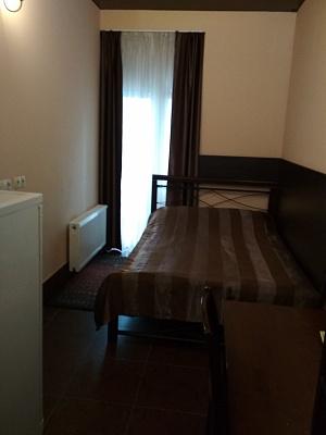 Кімната подобово в Одесі. Приморський район, вул. Генуезька, 5. Фото 1