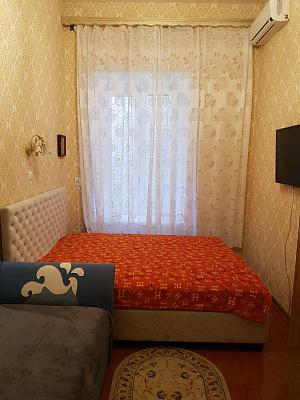 Комната посуточно в Одессе. Приморский район, ул. Ришельевская, 66. Фото 1