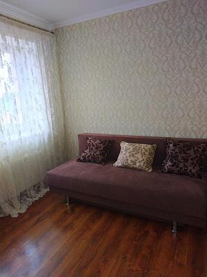 Двухкомнатная квартирапосуточно в Луцке, ул. Ивана Франко, 44В