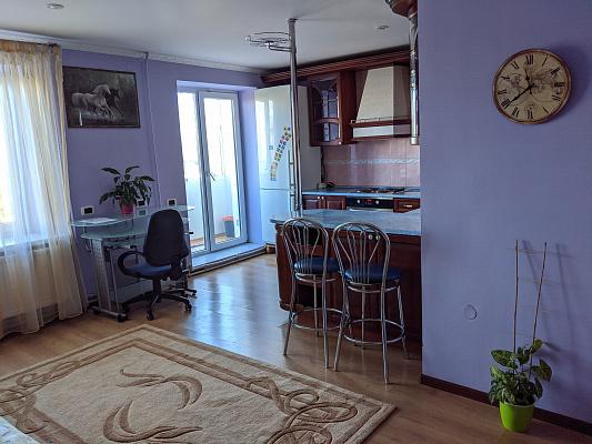 Двухкомнатная квартирапосуточно в Тернополе. ул. Винниченко, 4. Фото 1