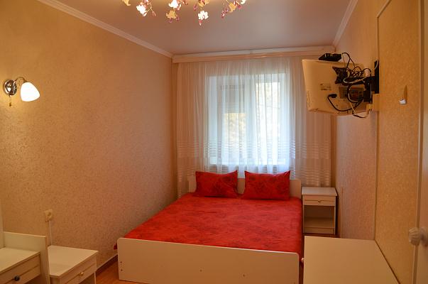 Двухкомнатная квартирапосуточно в Одессе. Приморский район, пер. Лермонтовский, 1-А. Фото 1