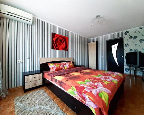 2-кімнатна квартираподобово в Полтаві. Жовтневий район, вул. Європейська, 24. Фото 1
