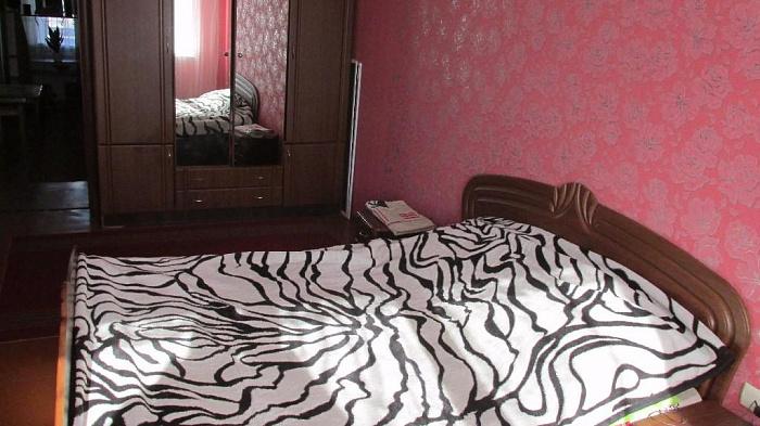 Двухкомнатная квартирапосуточно в Бердичеве, ул. Винницкая, 25 . Фото 1